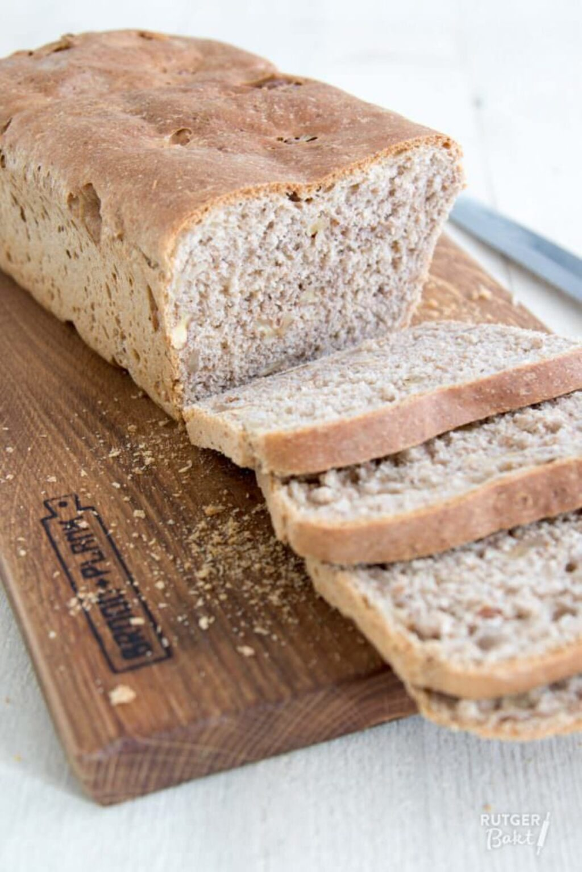 Speltbrood met walnoten – recept