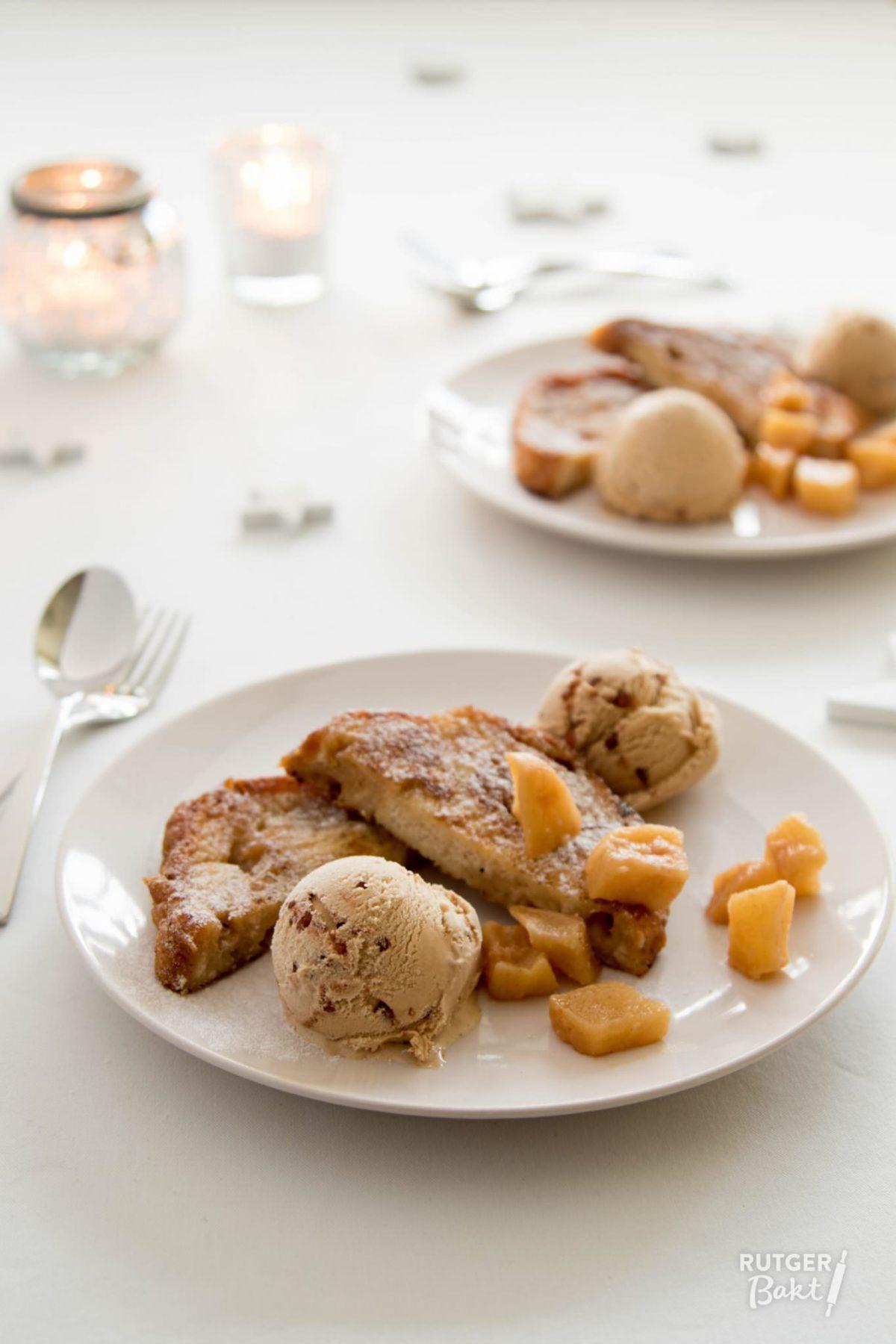 Wentelteefjes van suikerbrood met kaneelijs – recept