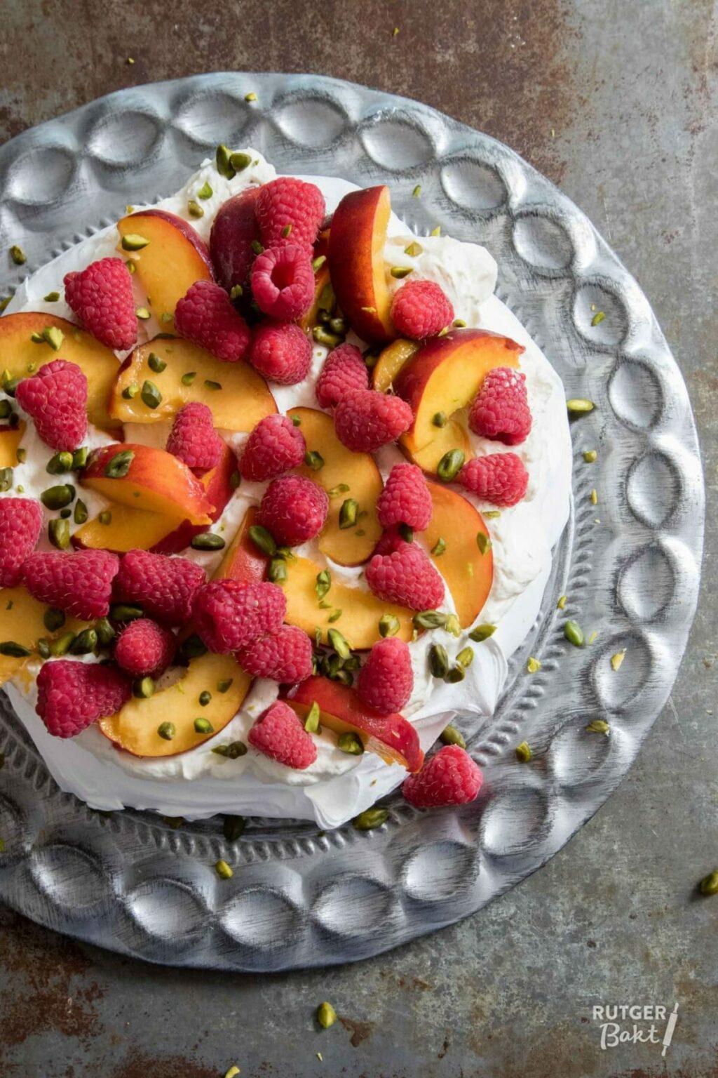Pavlova met perzik en framboos – recept