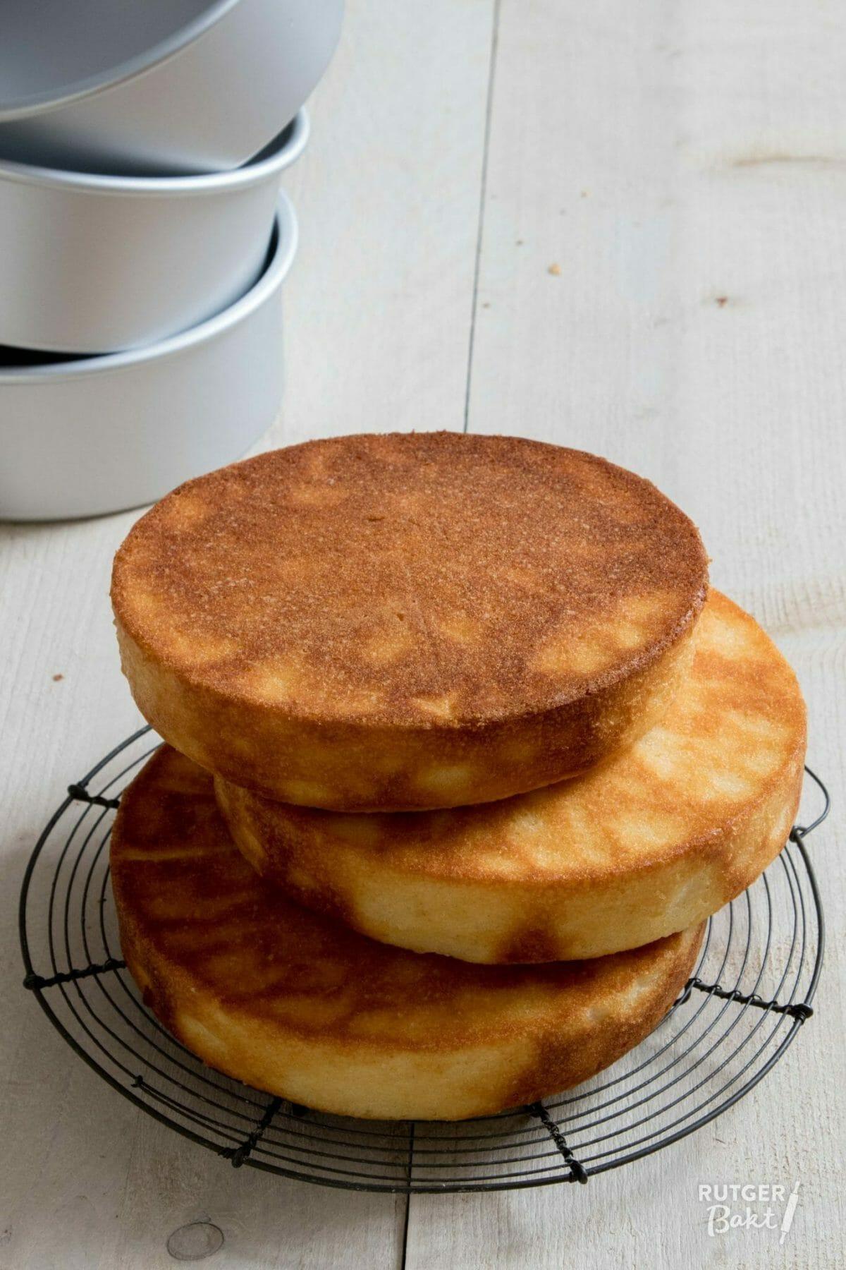 Cake voor stapeltaart bakken – basisrecept