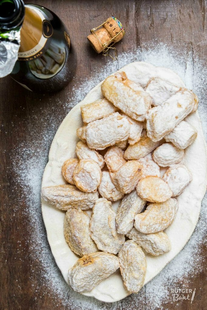 Stoofperenbeignets, abrikozenbeignets & bananenbeignets