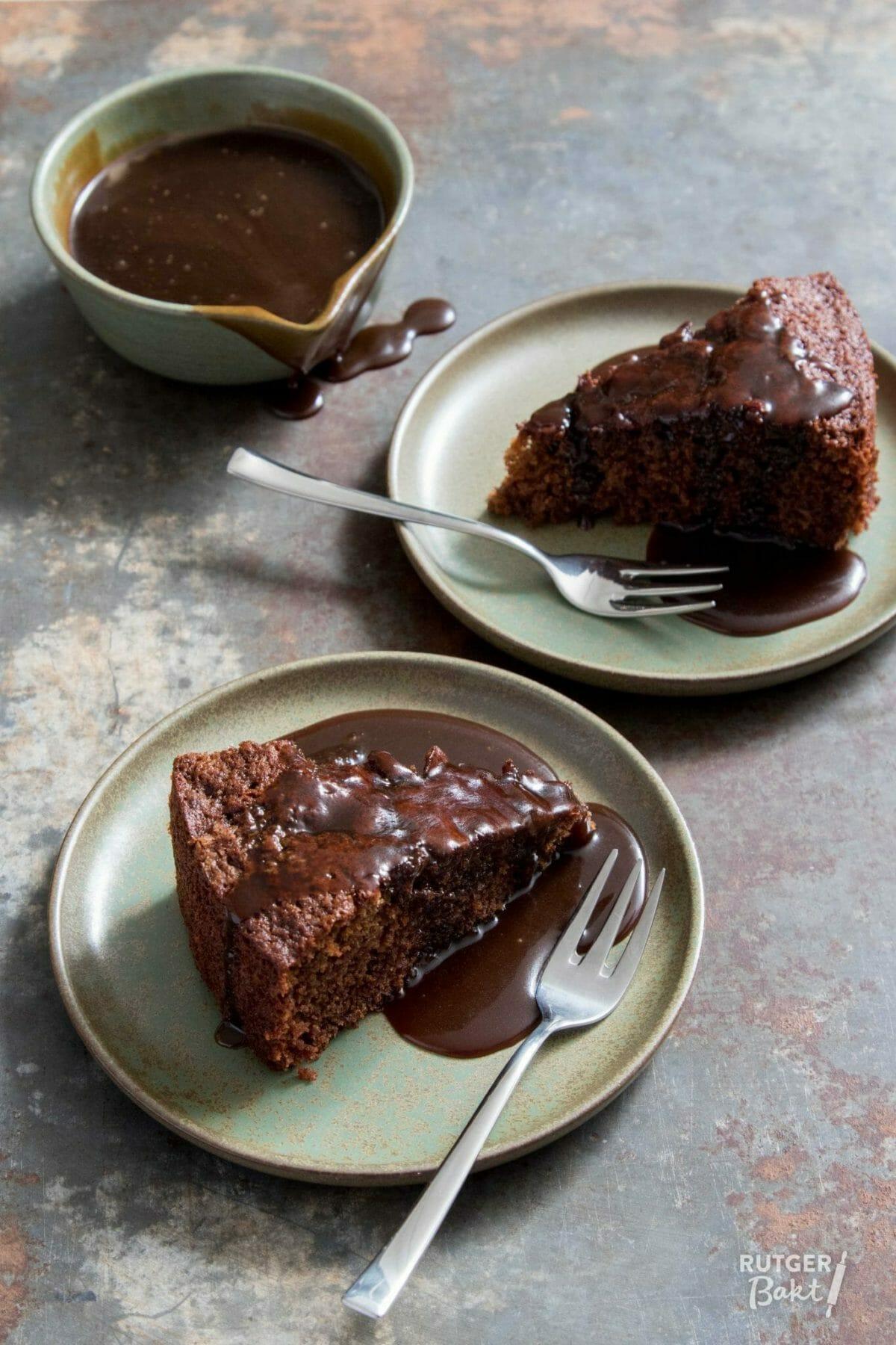 Sticky toffee cake met toffee saus – recept