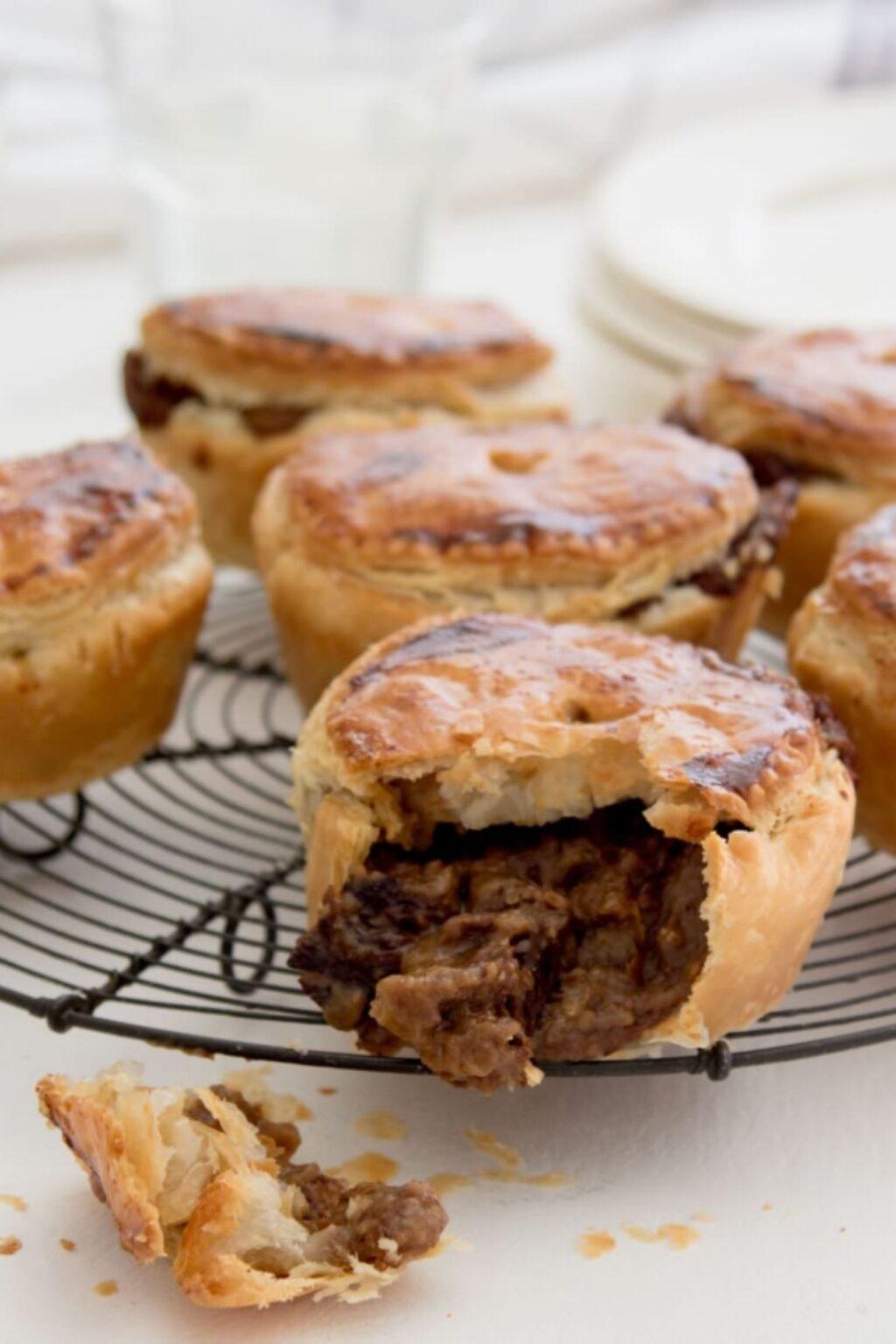 Mini-pies met Belgisch stoofvlees