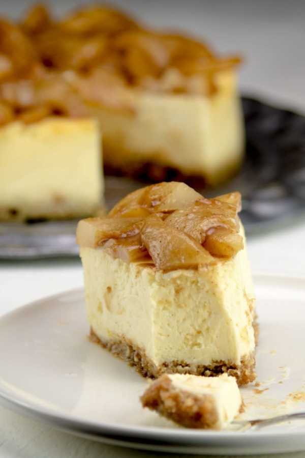 Cheesecake met gekarameliseerde peer – recept