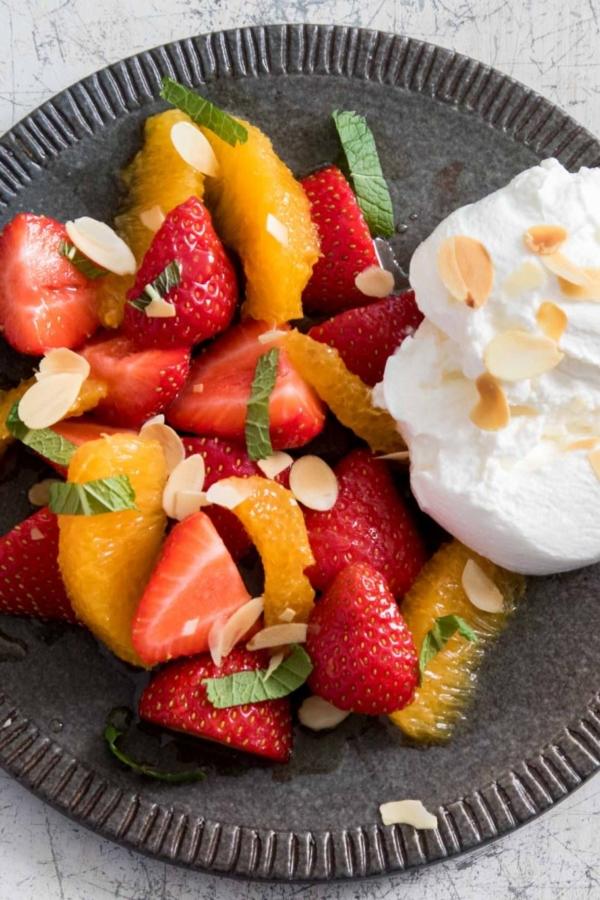 Fruitsalade met aardbeien en sinaasappel – recept