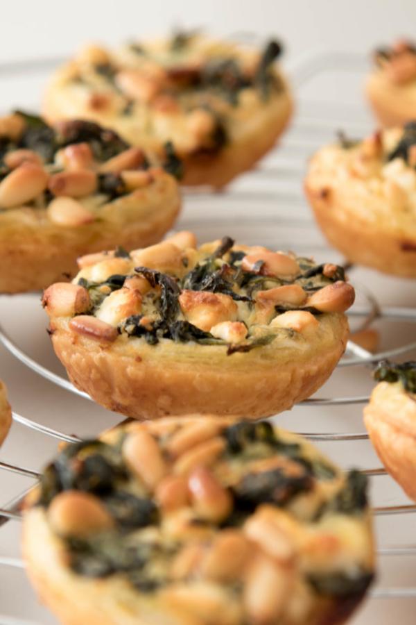 Mini quiches met spinazie en feta – recept