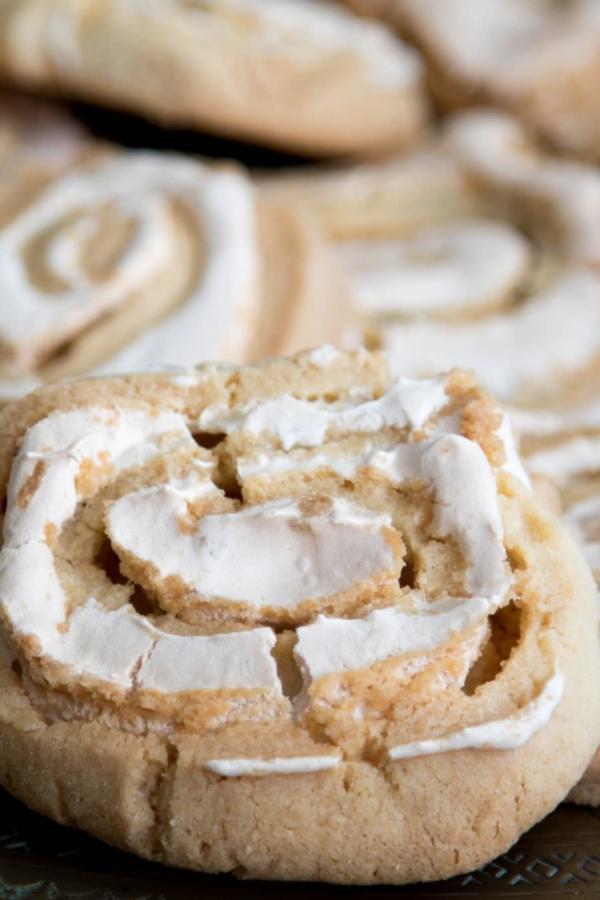 Opgerolde koekjes met meringue – recept