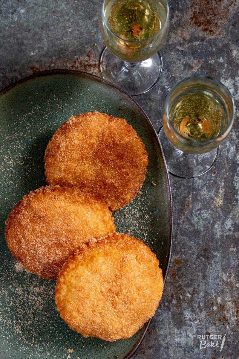 Appelbeignets van bladerdeeg bakken – recept