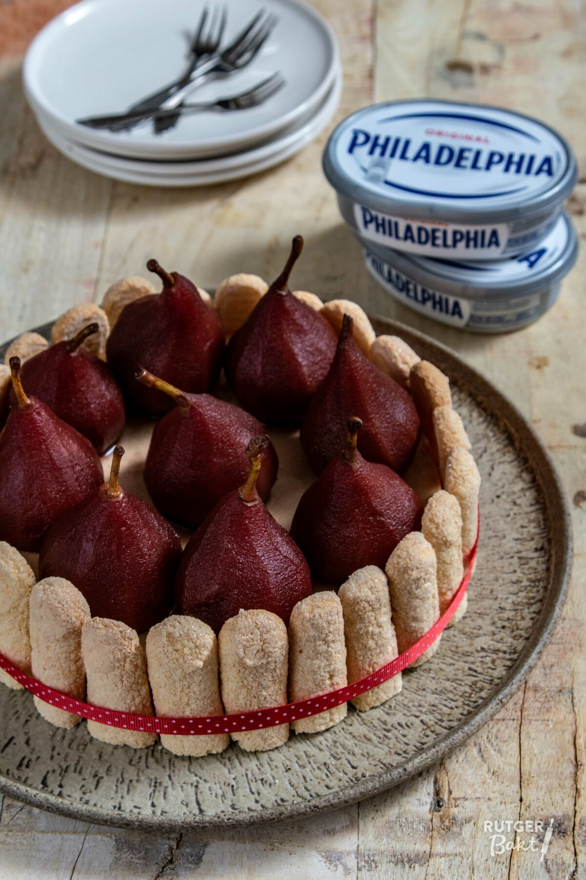 Winterse Philadelphia cheesecake met stoofpeertjes