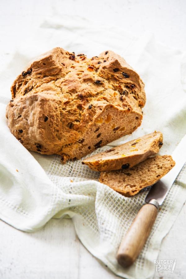 Soda bread met abrikozen en rozijnen – recept