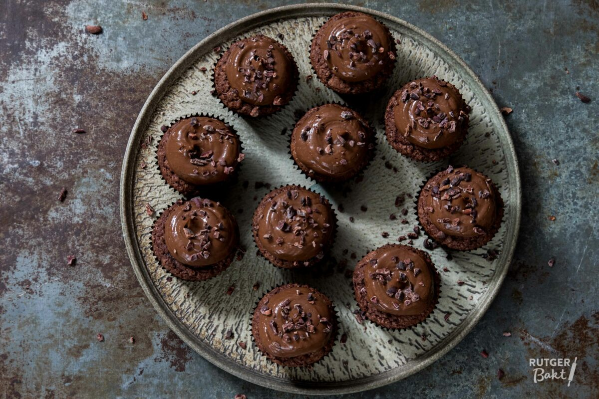 Chocolade-cupcakes-met-chocoladecrème
