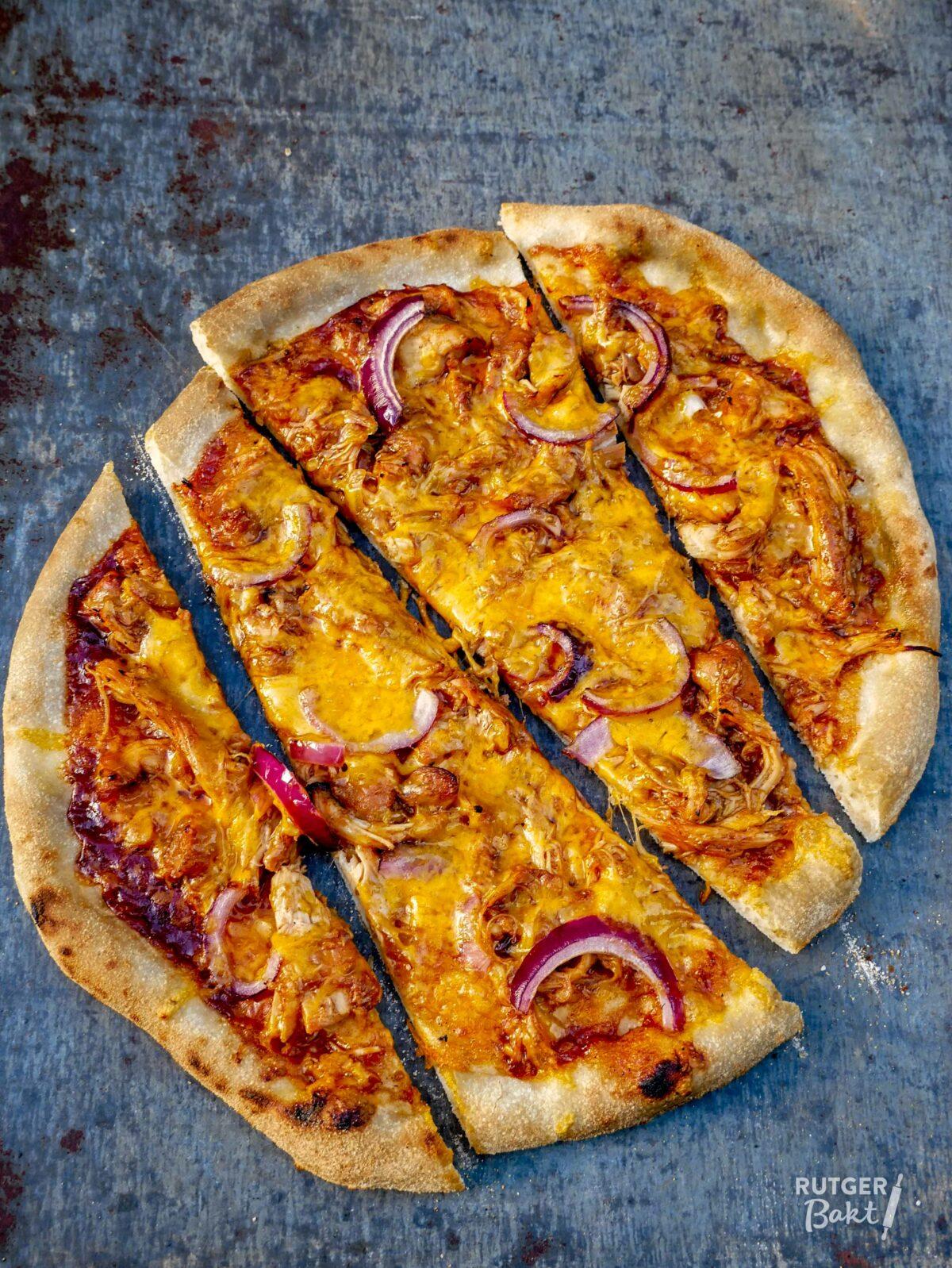 Pizza met pulled chicken – recept