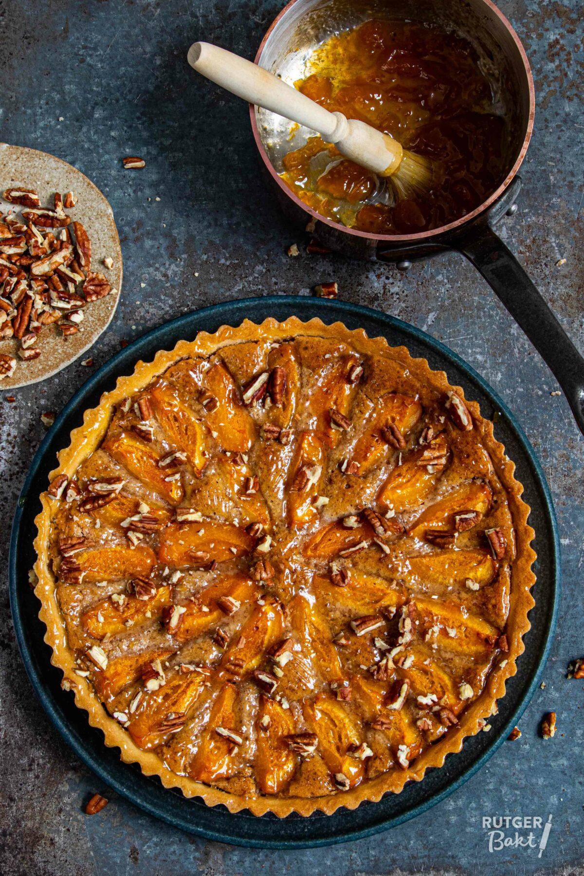 Abrikozentaart met pecannoten – recept