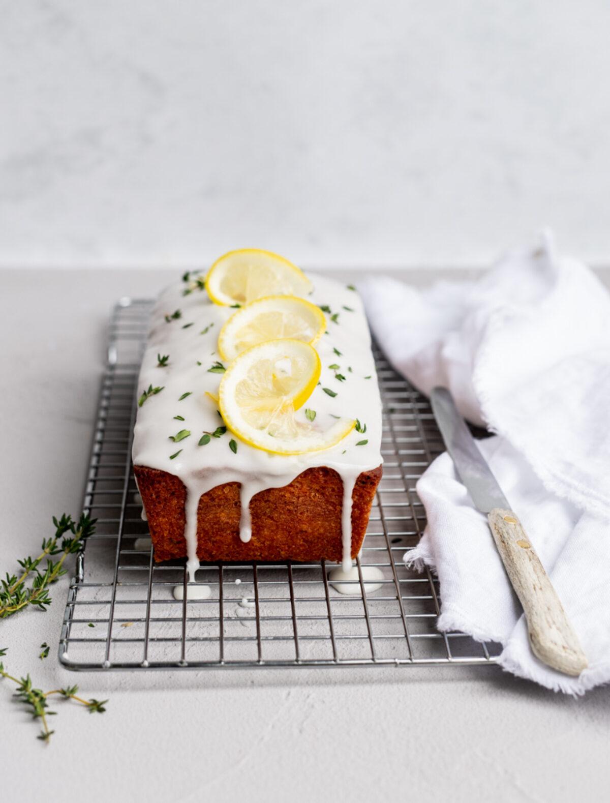Olijfolie cake met tijm en citroen