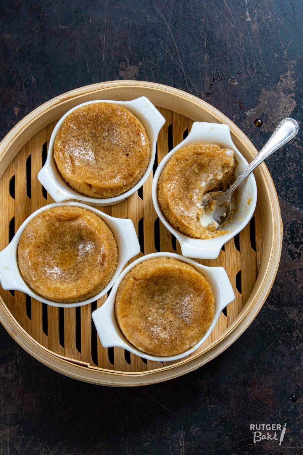 Gestoomde puddinkjes met maple syrup