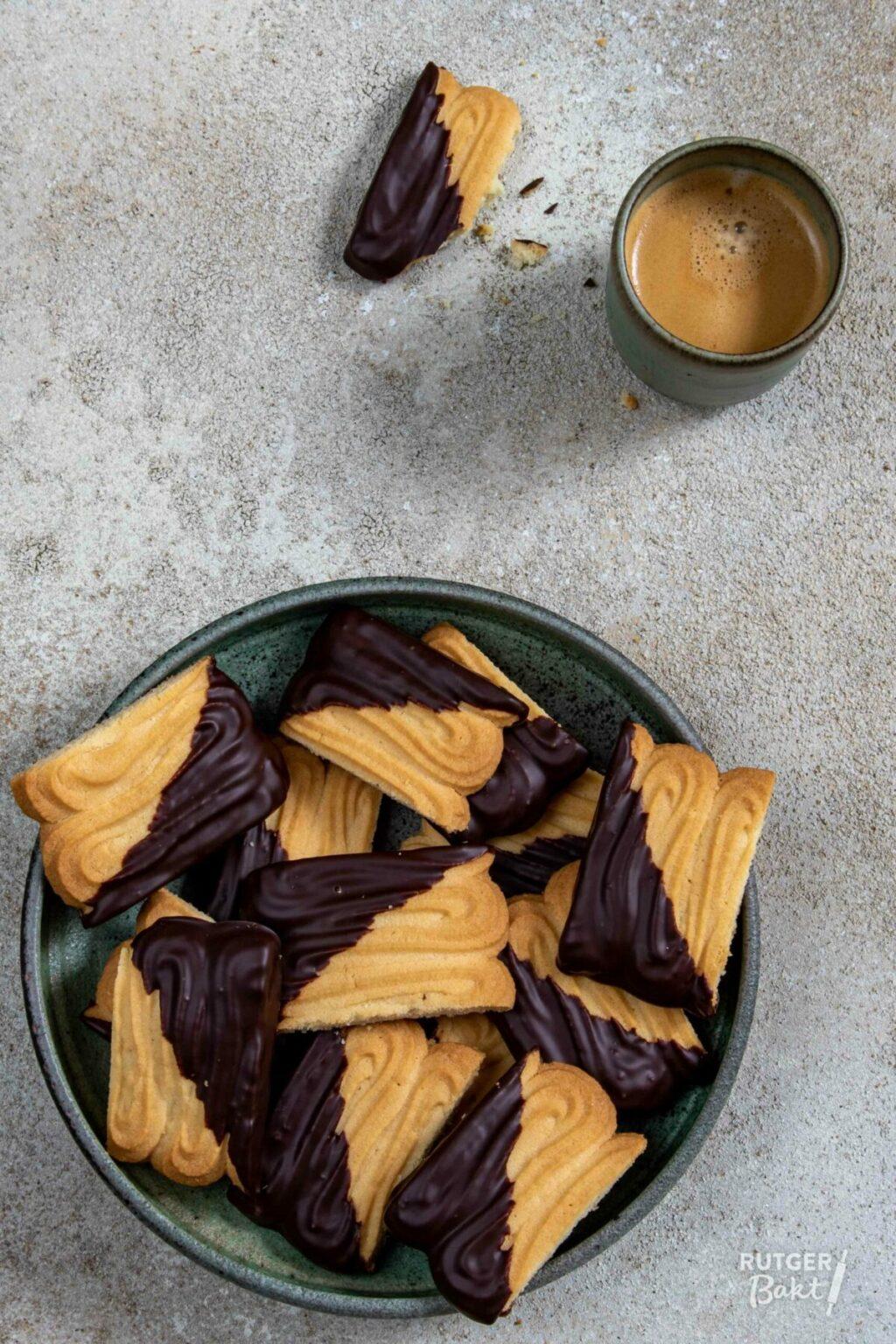 Utrechtse spritsen met chocolade