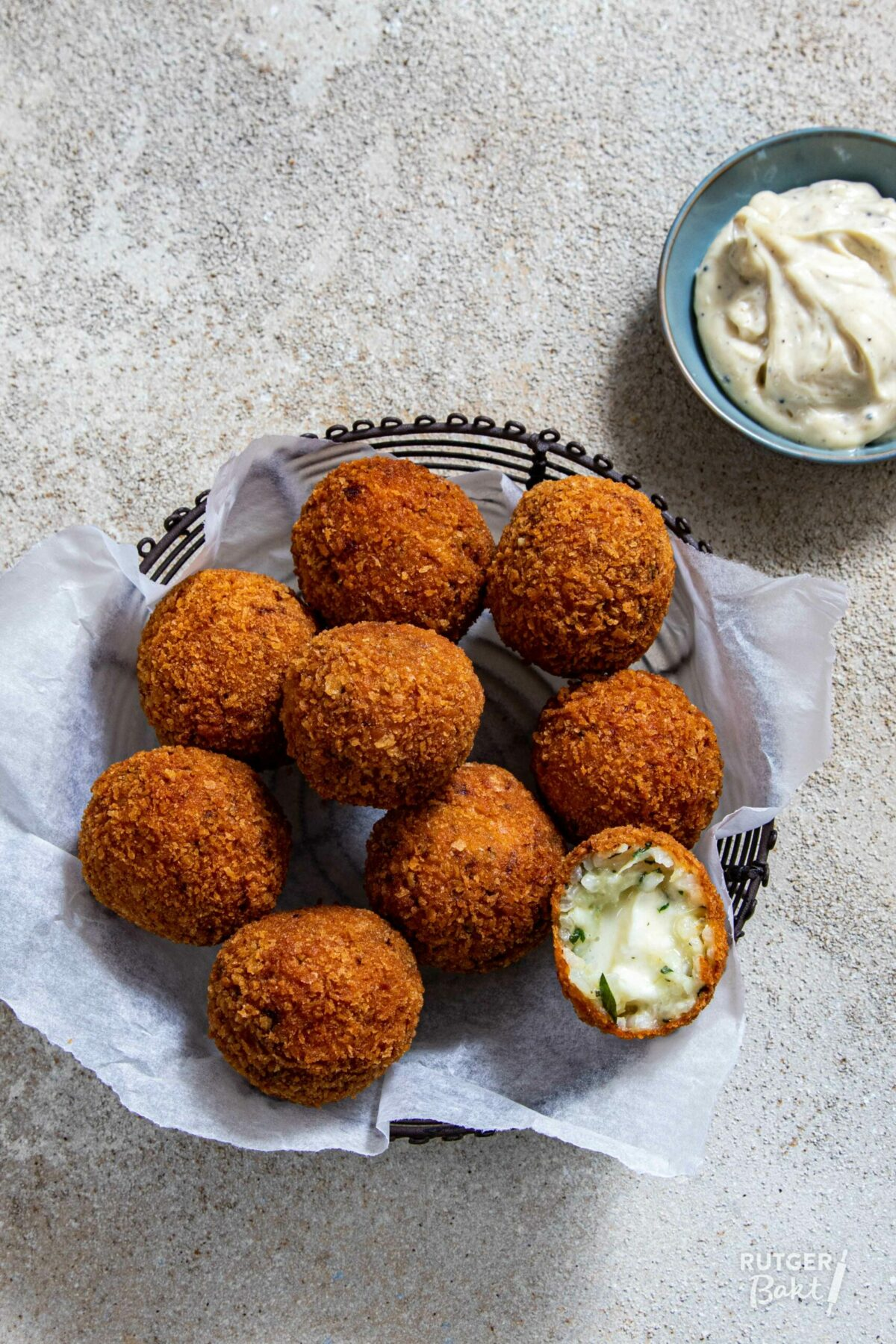 Risottoballetjes met mozzarella – Arancini