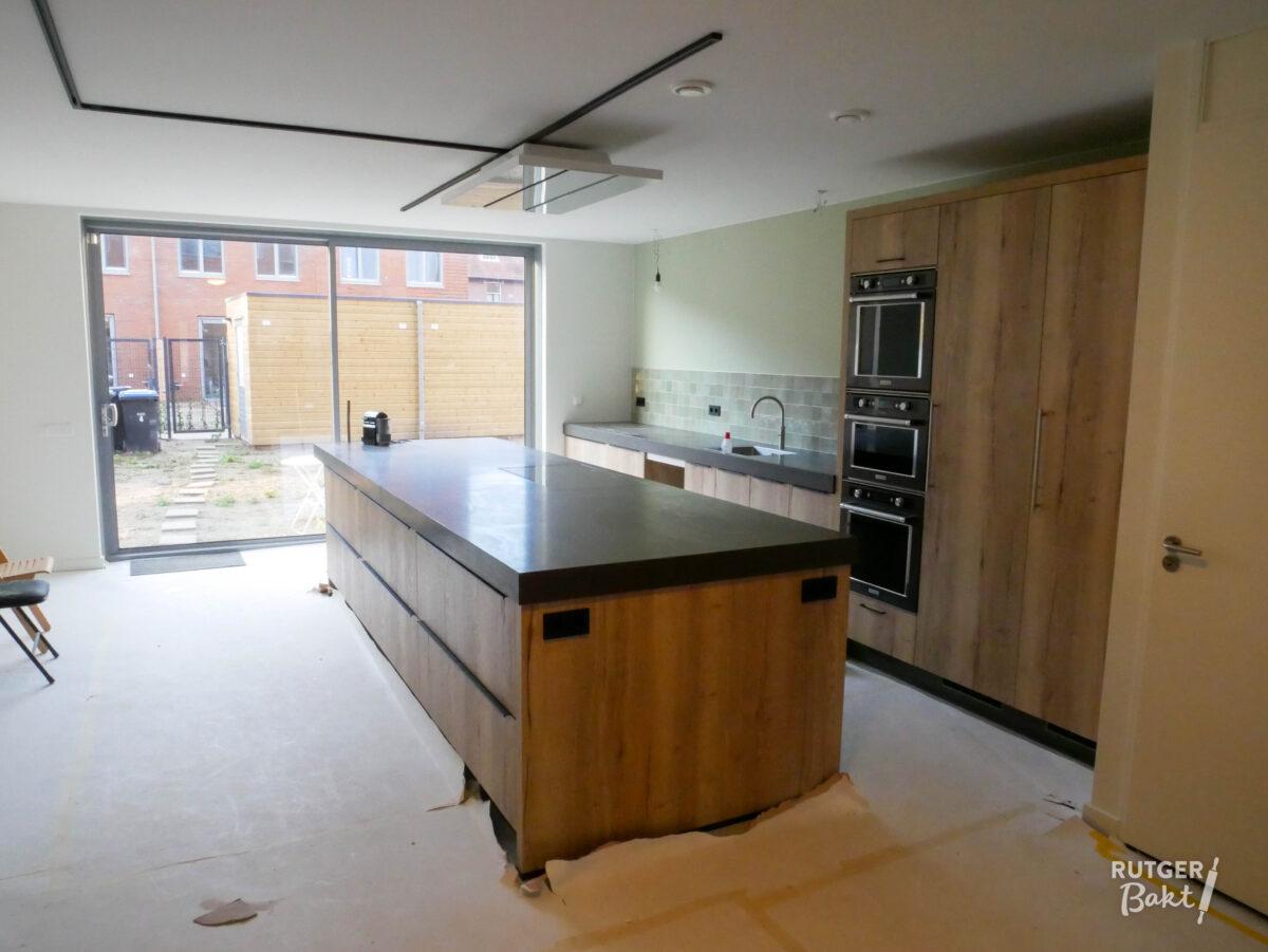 Rutger bakt nieuwe keuken